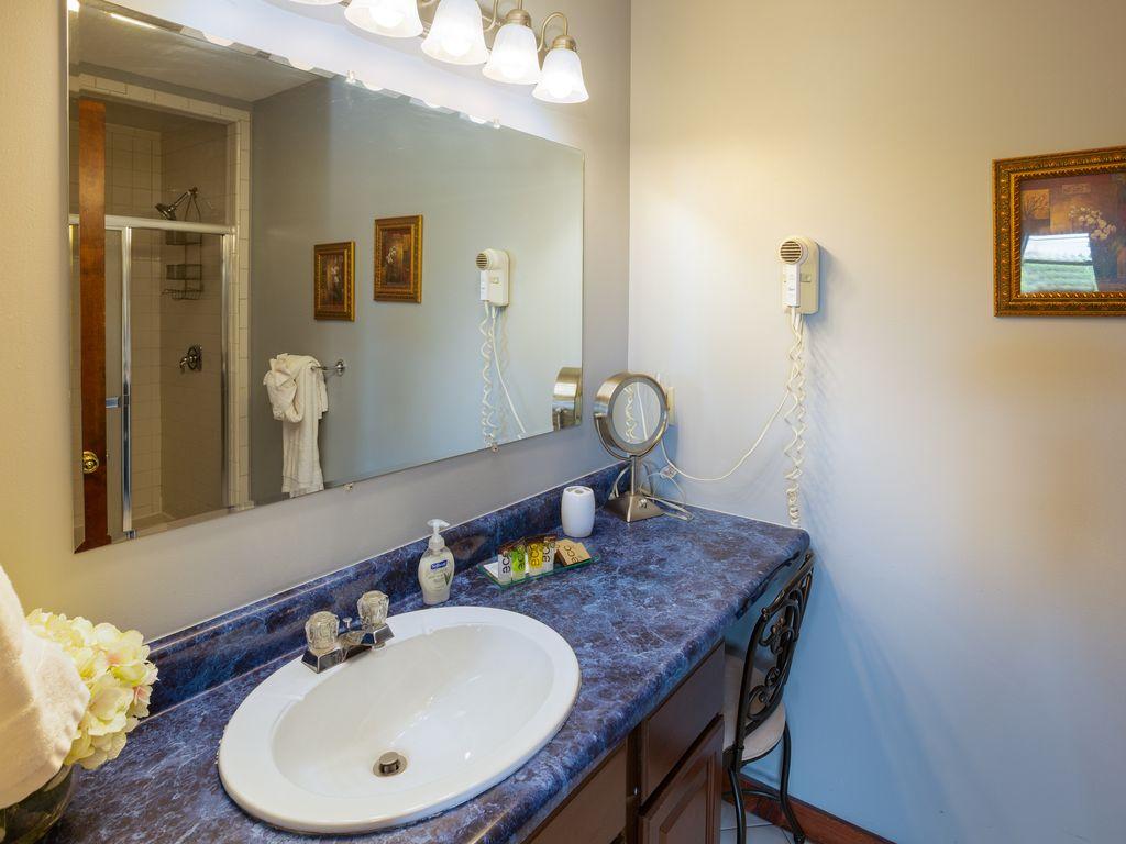3d floor bath with walk in shower