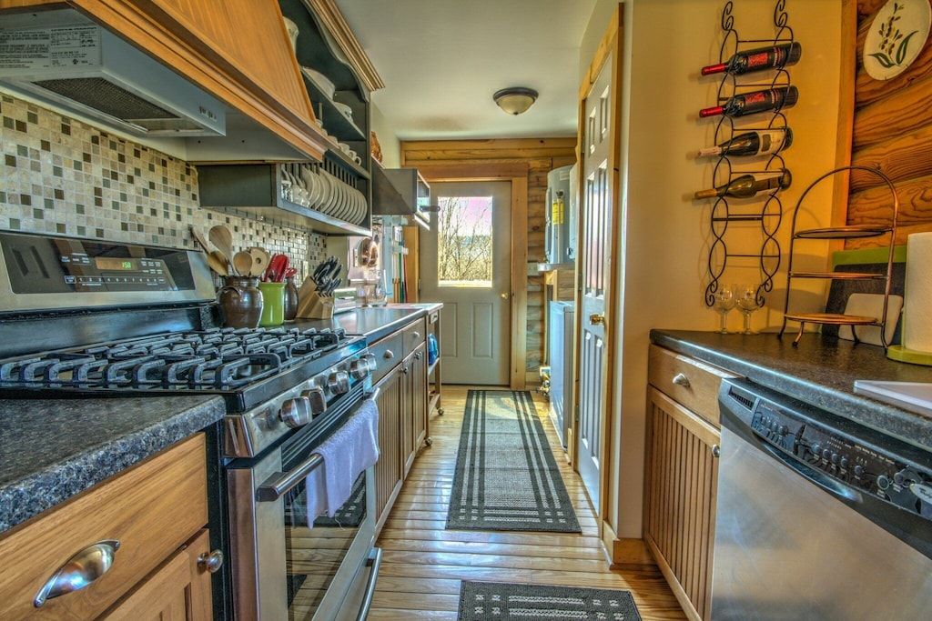 Modern kitchen with gas stove, dishwasher and everything you need to cook large meals