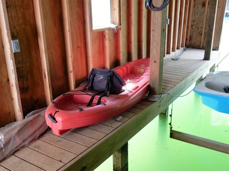 There are also a couple of kayaks for enjoying the lake.