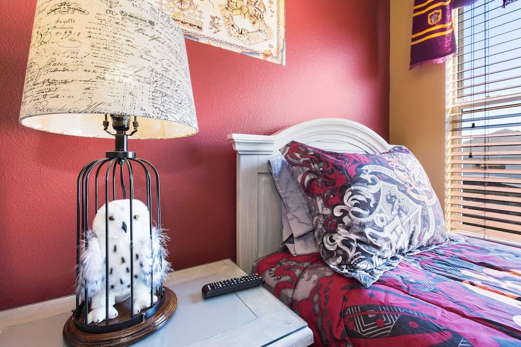 Hedwig is here to keep you company!