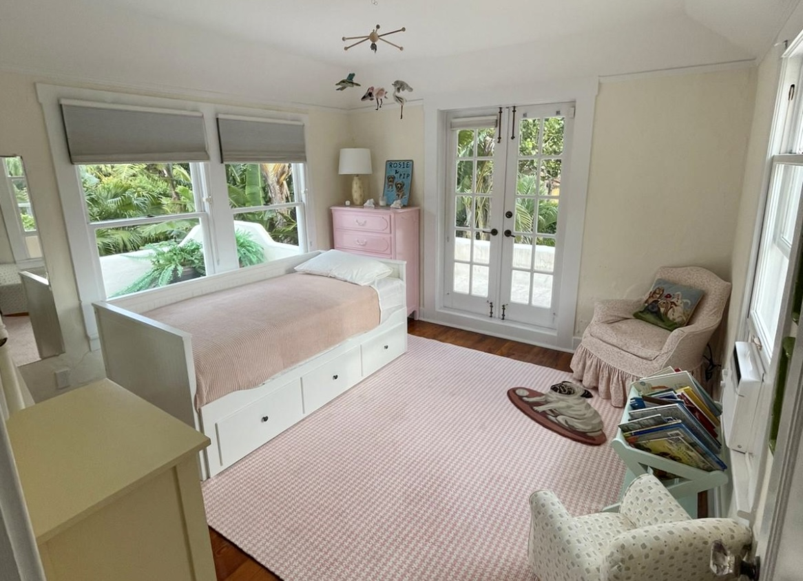Upstairs trundle bed room, opens to a double bed.