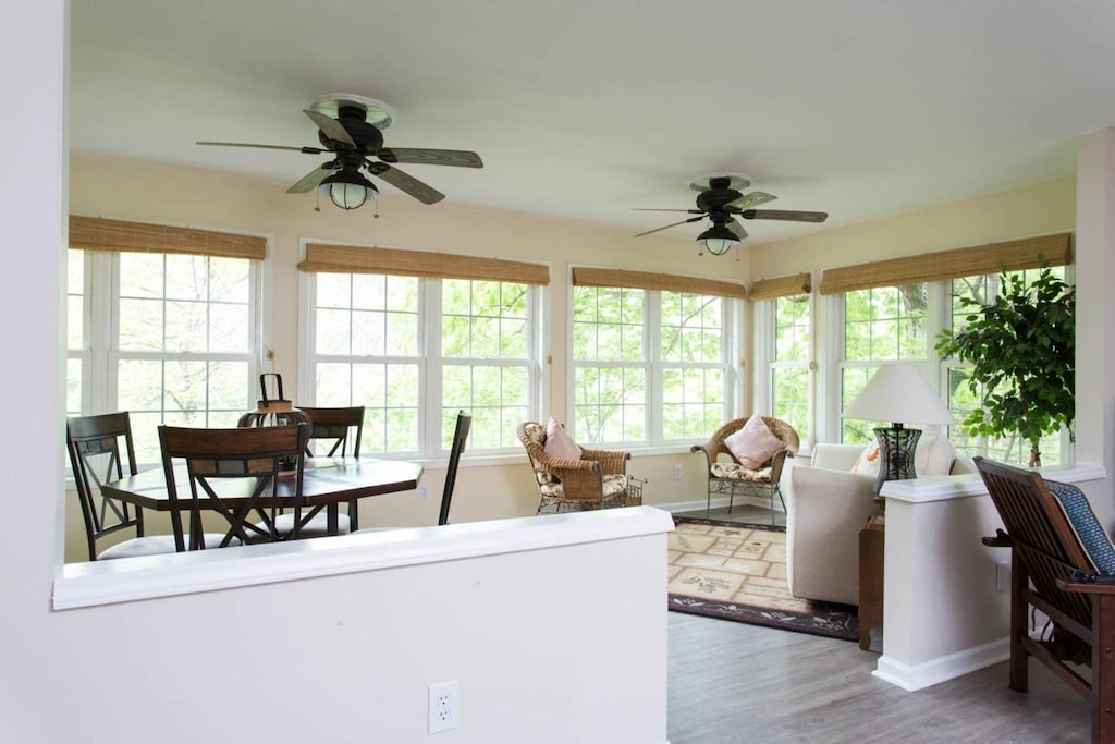 This is a beautiful home with wonderful finishes. The windows are perfect for a lakeside cottage. The ceiling fans and light fixtures are quality and tasteful.