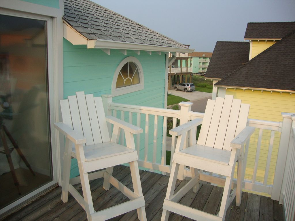 3rd floor deck with director's chairs