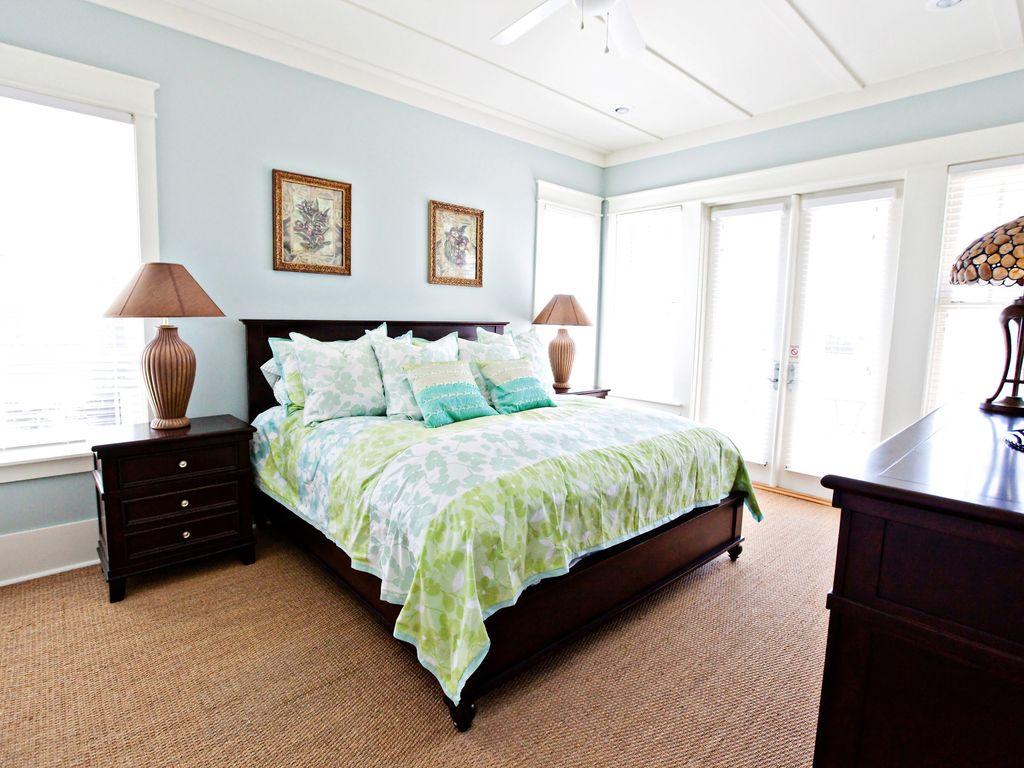 Master King bedroom-suite  2nd floor