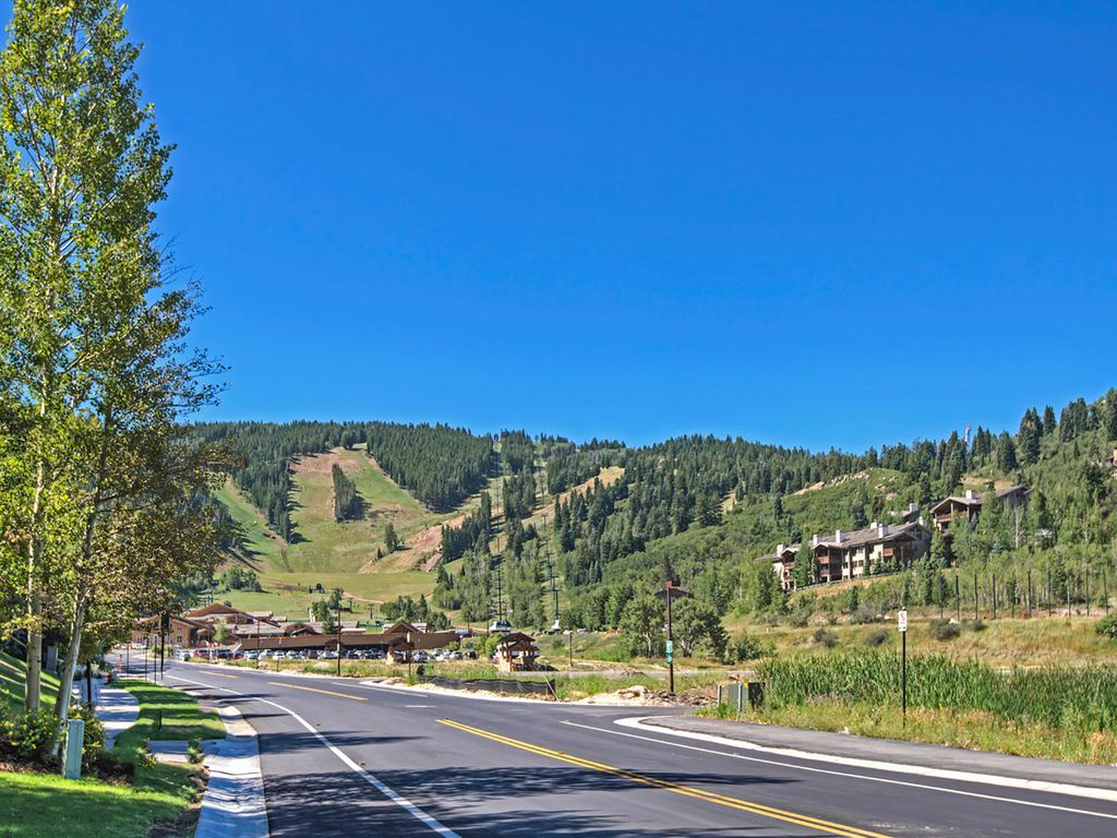 View from outside our condo, looking at Deer Valley Resort