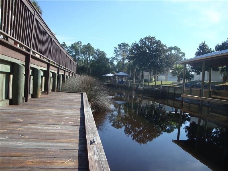 Go fishing from the dock or park your boat. There are 7 docking spaces.