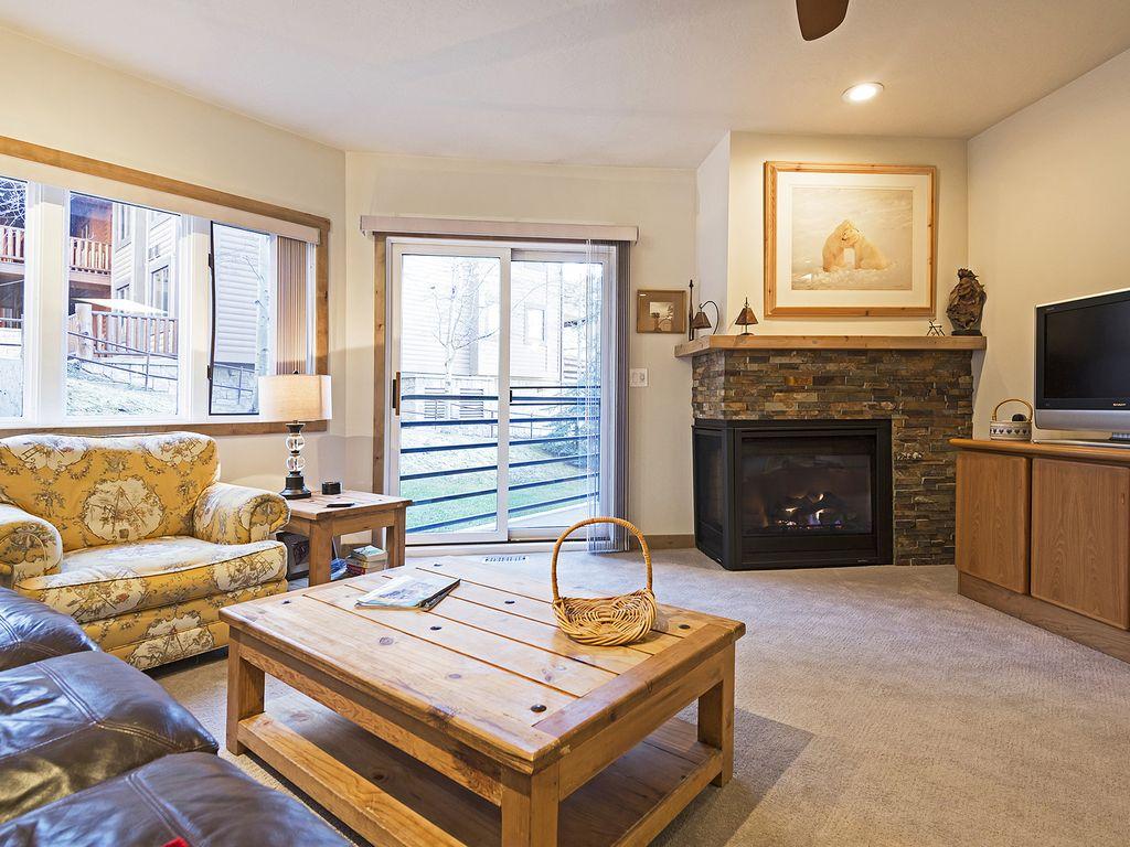 Living area - gas fireplace - patio/deck