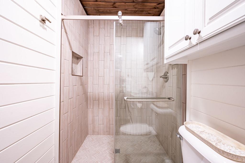 Walk in shower for bedroom #3.
