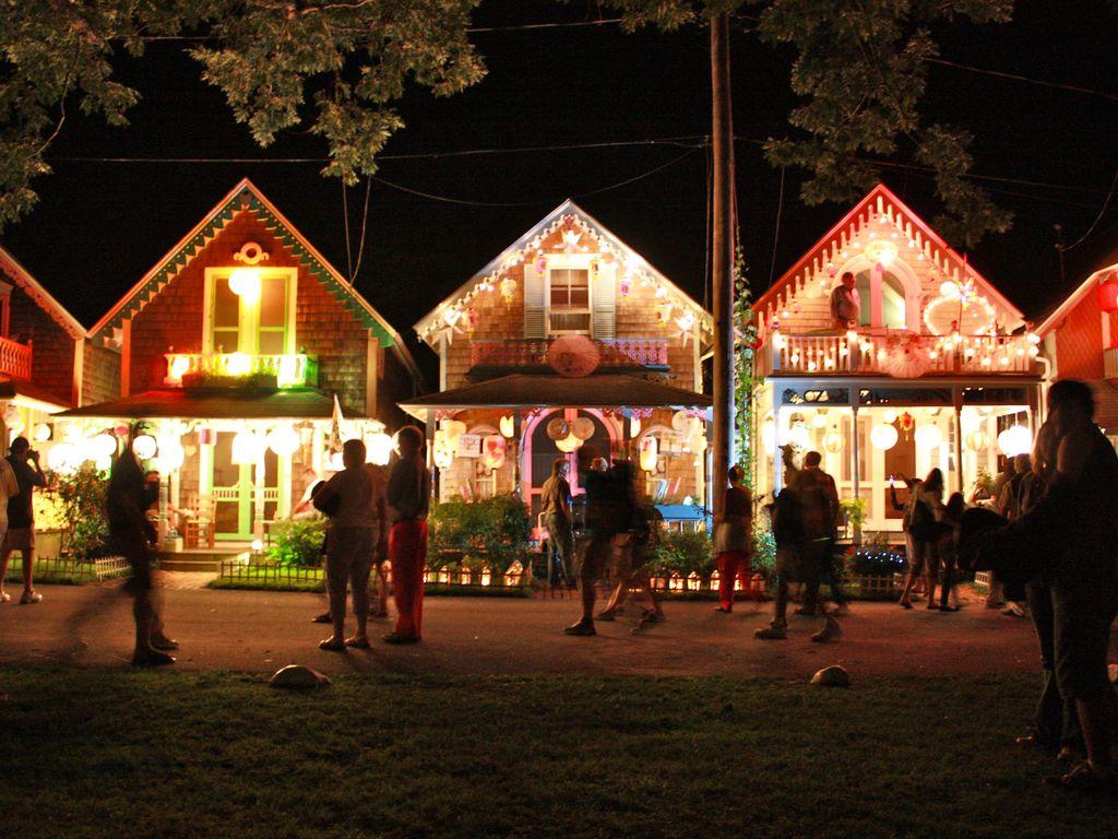 Grand Illumination Night, Oak Bluffs Yearly Tradition