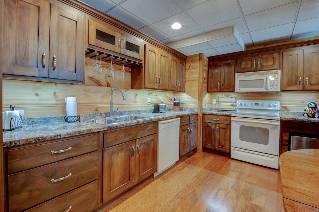 Lower level fully functional kitchen