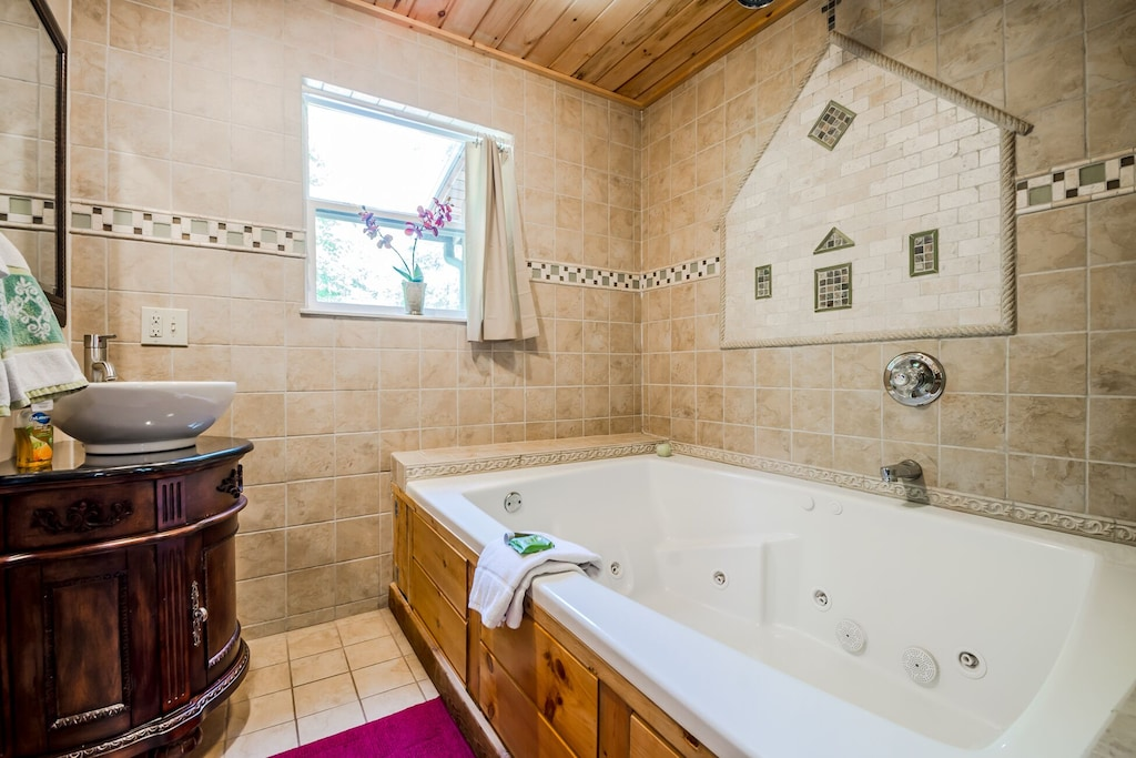 Jetted King Arthur Tub