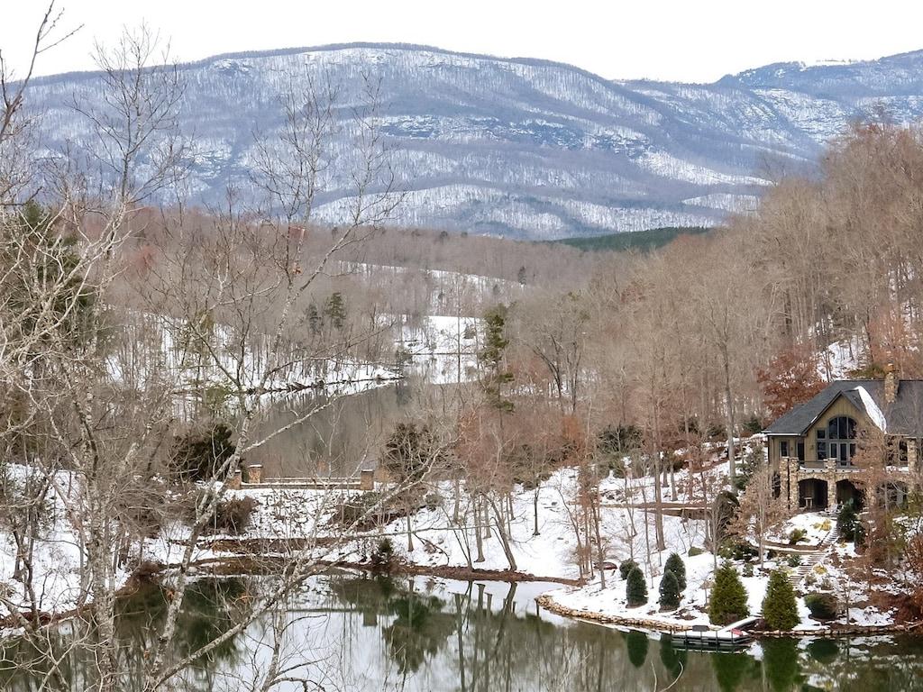 Snow at Thistle Ridge