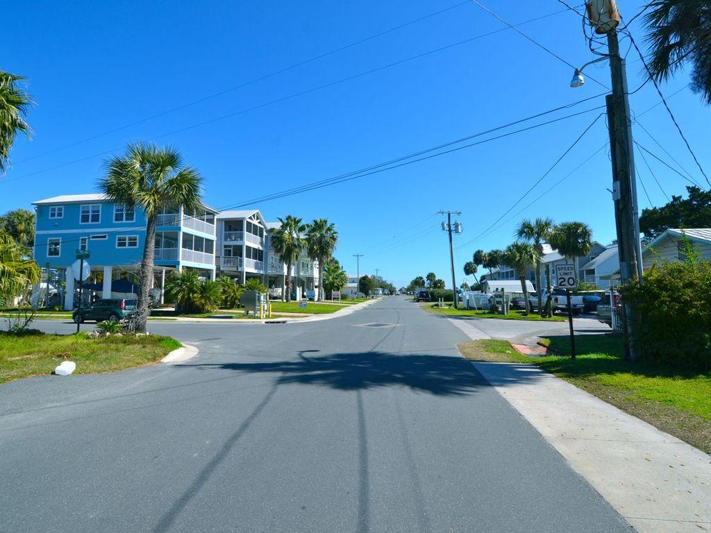 Street View toward City Marina.