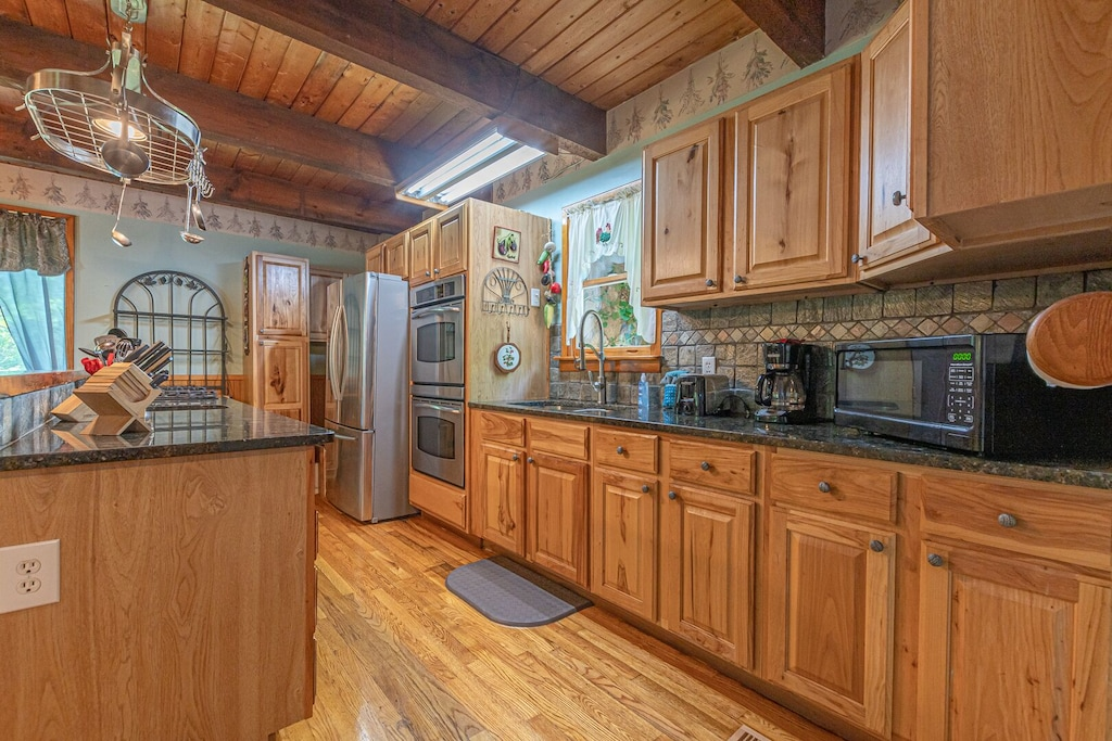 Full Kitchen with Double Oven