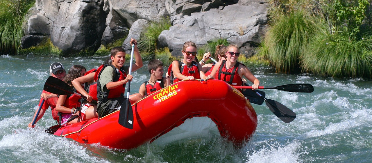 Whitewater rafting on the Deschutes