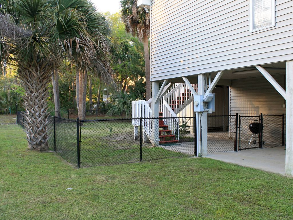 Fully fenced backyard!