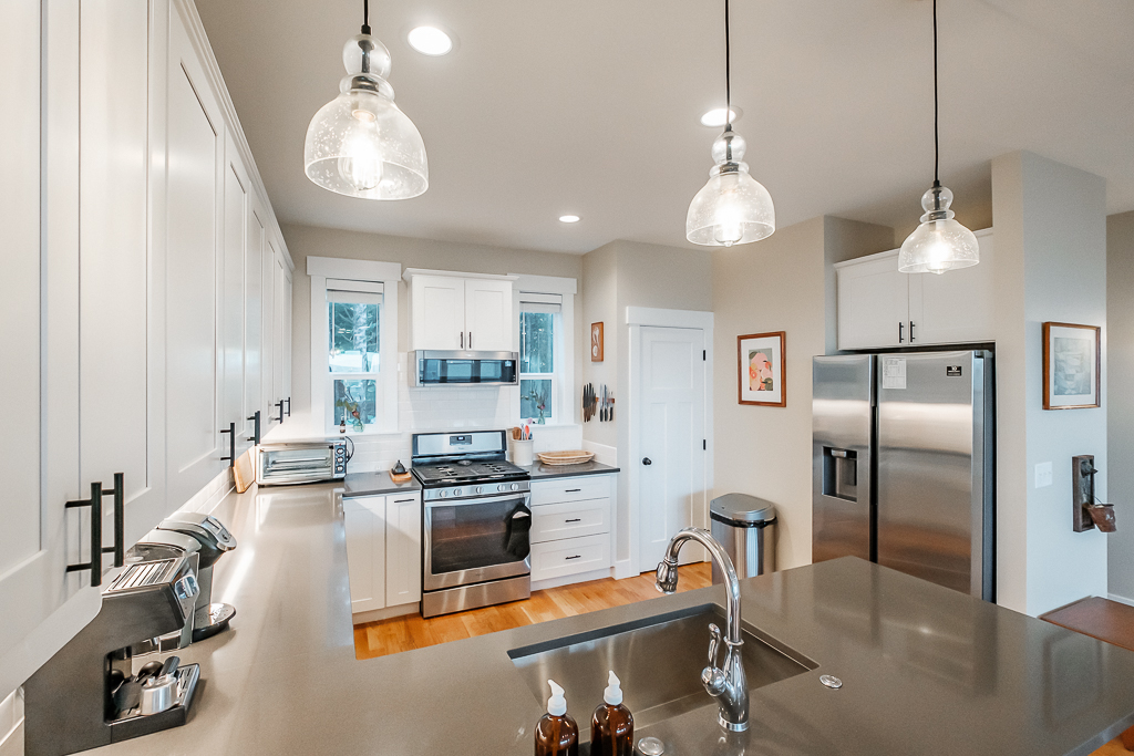 Plenty of counter space in this kitchen!
