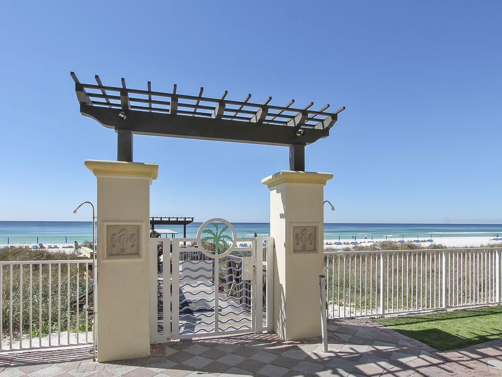 Walk way from pool area to the beach