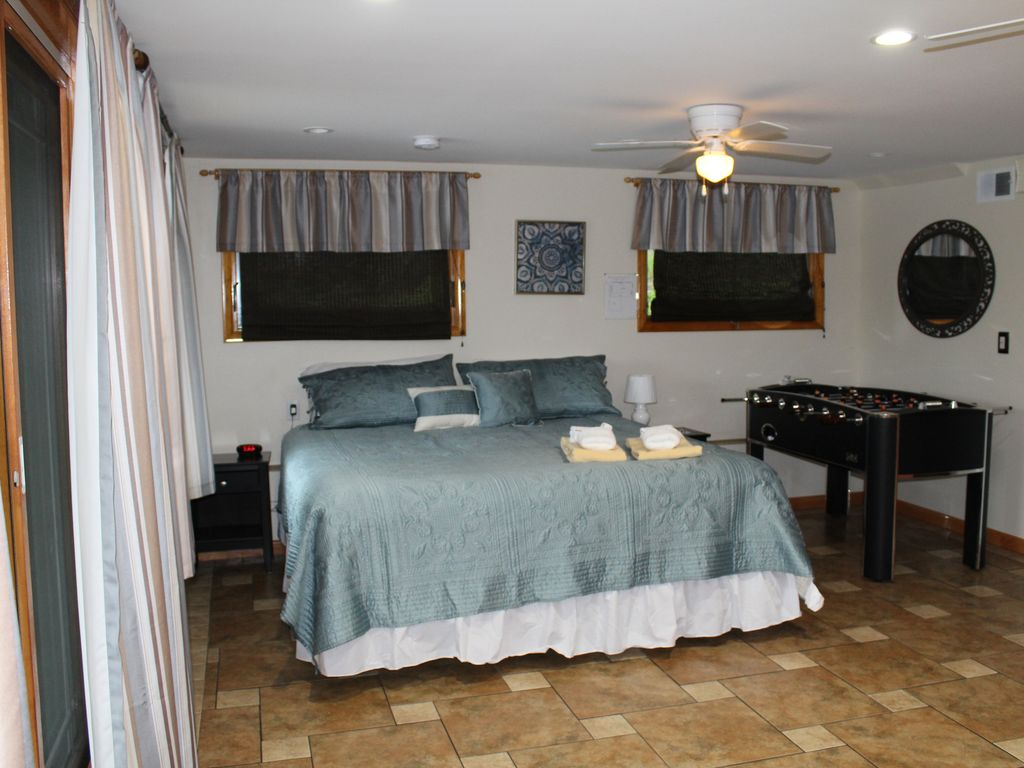 King Bedroom with Wet Bar