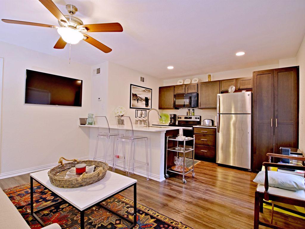 Open living/dining/kitchen floor plan