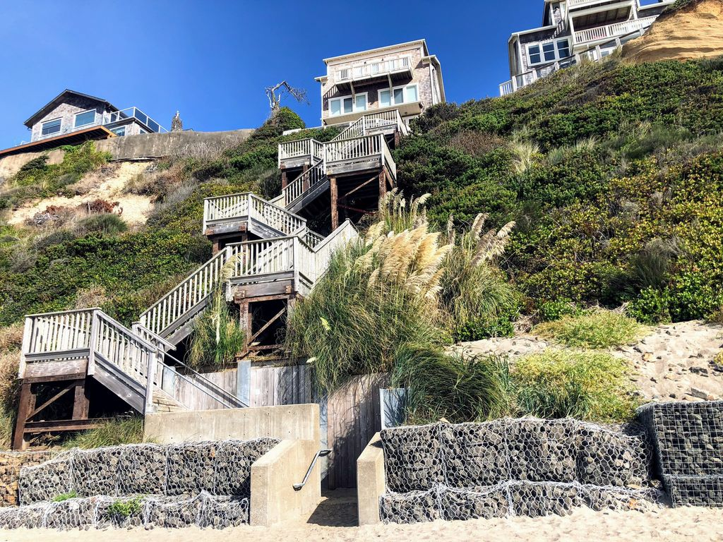 The staircase leading from the Olivia Beach community down to the ocean.