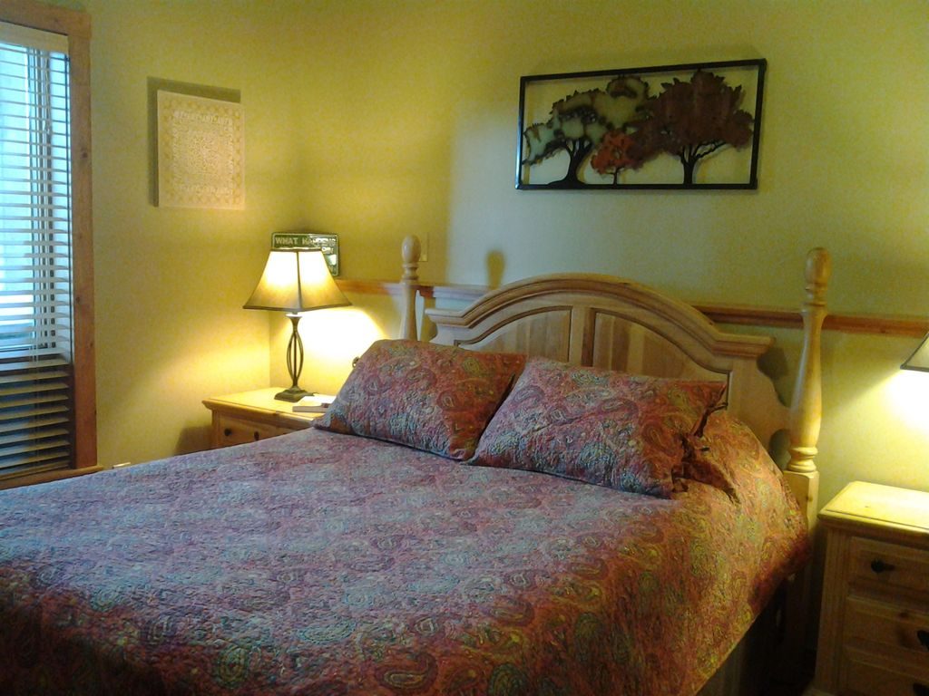 Lower level Bedroom- Queen Bed #5
