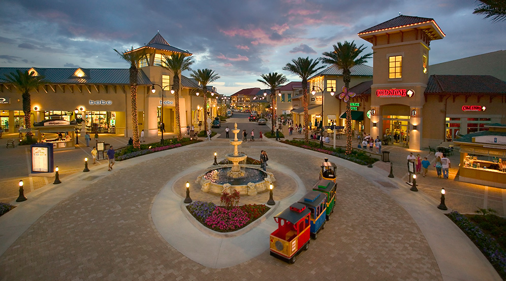 shopping and fun nearby Destin Commonsoin