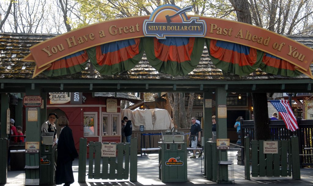 Transport yourself to 1880 at Silver Dollar City! (BCVB)