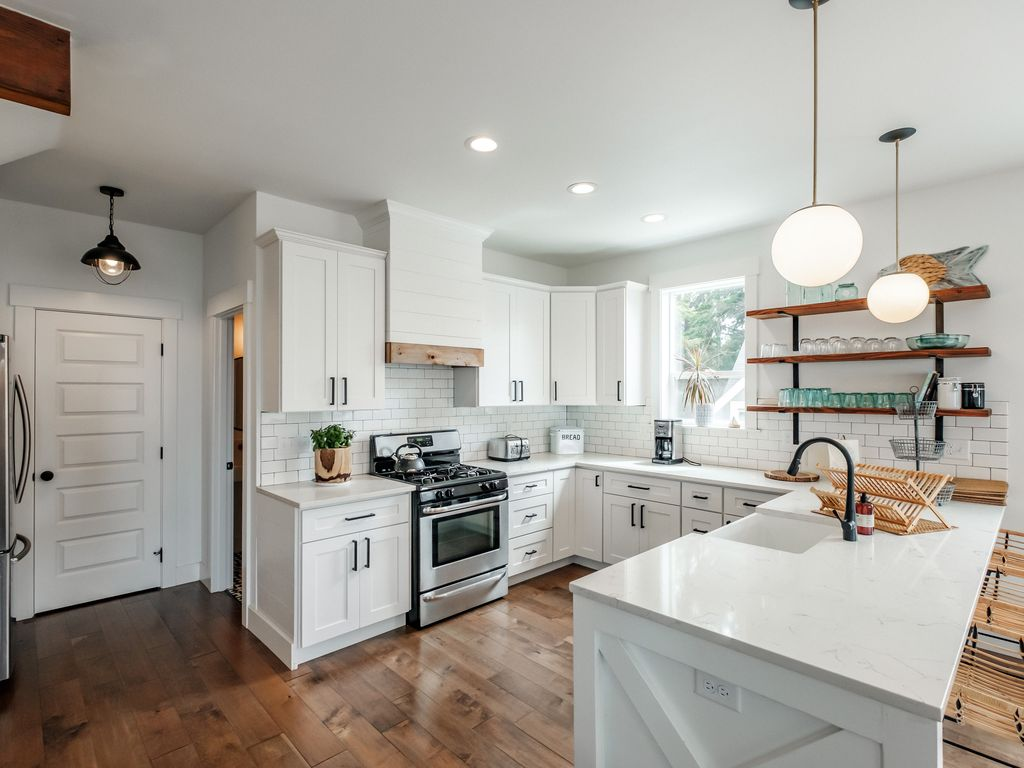 Gourmet kitchen includes everything from popcorn and ice creamer makers to a wok or waffle maker!