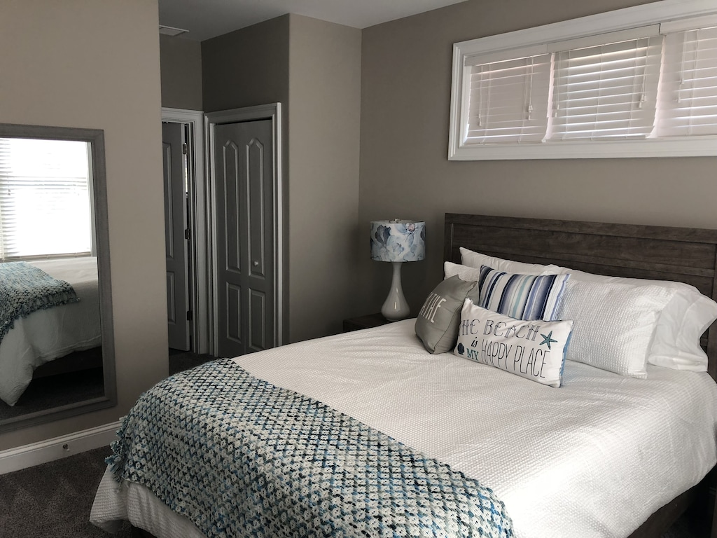 2nd level queen master suite with bathroom
