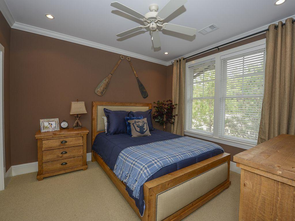 Guest Bedrm King bed