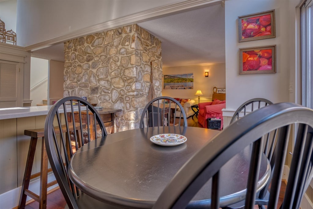 Whether youre Sharing a meal with family and friends or enjoying your alone time will perfect in this quaint setting