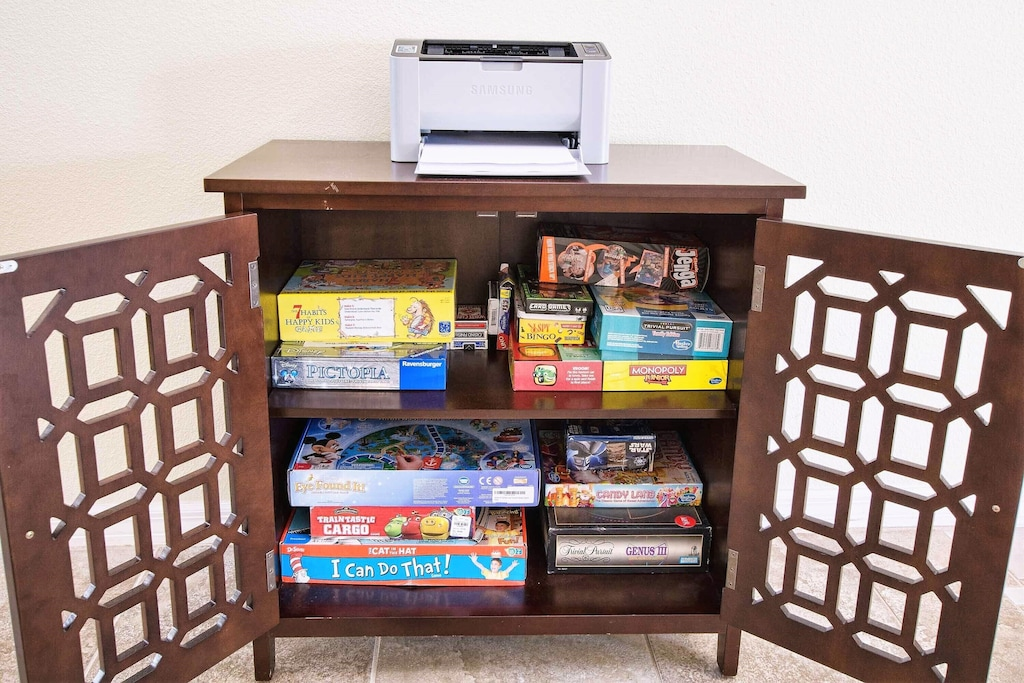 Print wireless from smartphones and tablets and enjoy our family games!