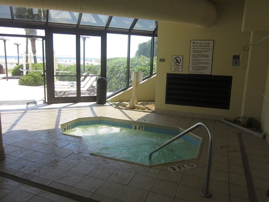 South tower Hot Tub and Indoor/Outdoor Pool