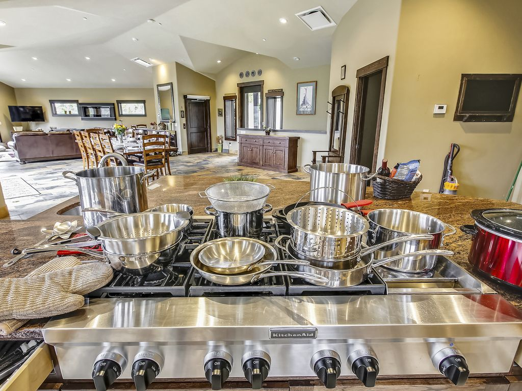 Kitchen cooking supplies - Crock pot, lobster pot, stainless steel pots and pans
