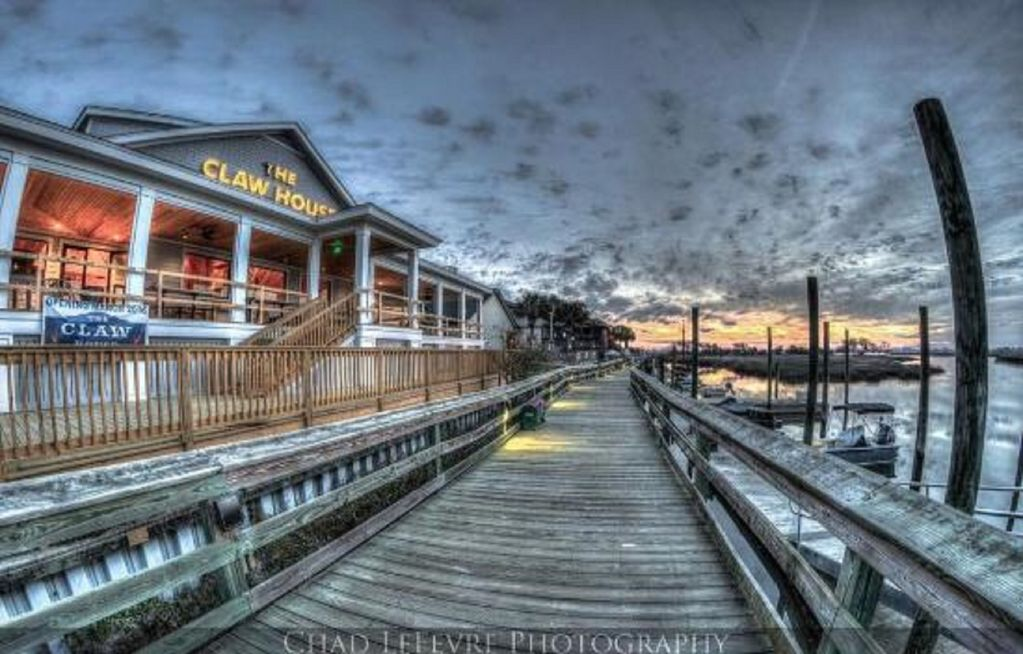 Murrells Inlet Marshwalk-Dining, live music and stunning views!