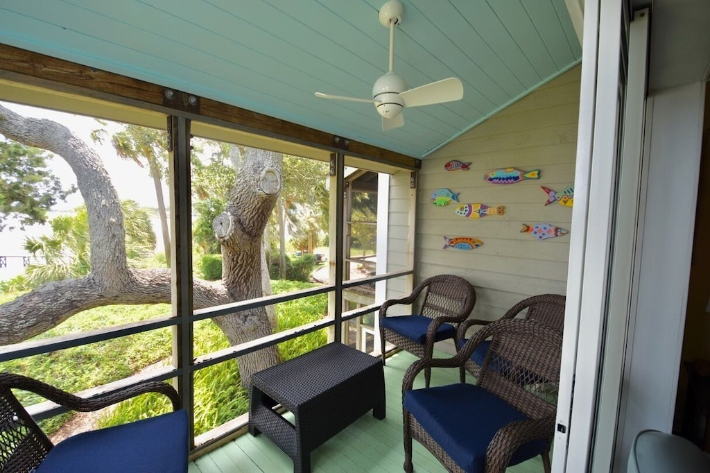 Screened Porches for Gulf Breezes