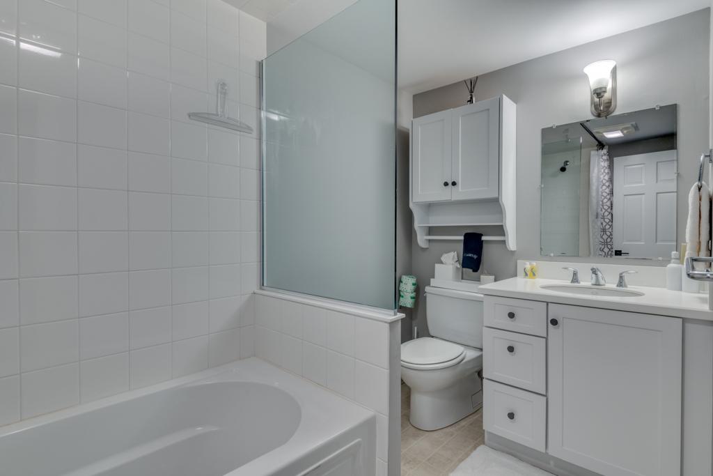 Downstairs Shared Full Bath