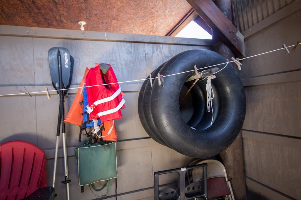 Tubes, life jackets and oars provided