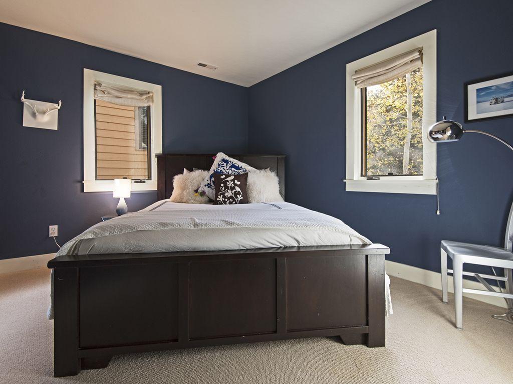 Bedroom Two.  Queen size bed.