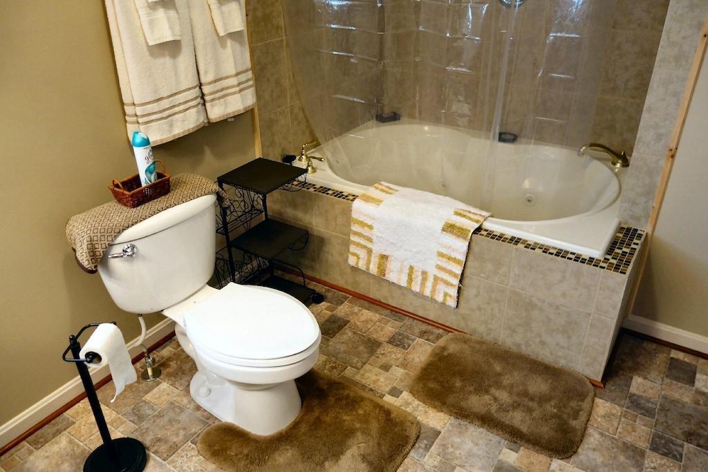 Large tub, beautiful tile