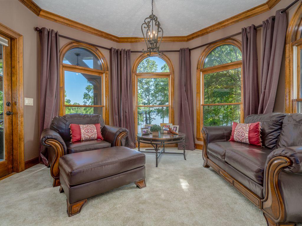 Master Bedroom seating room