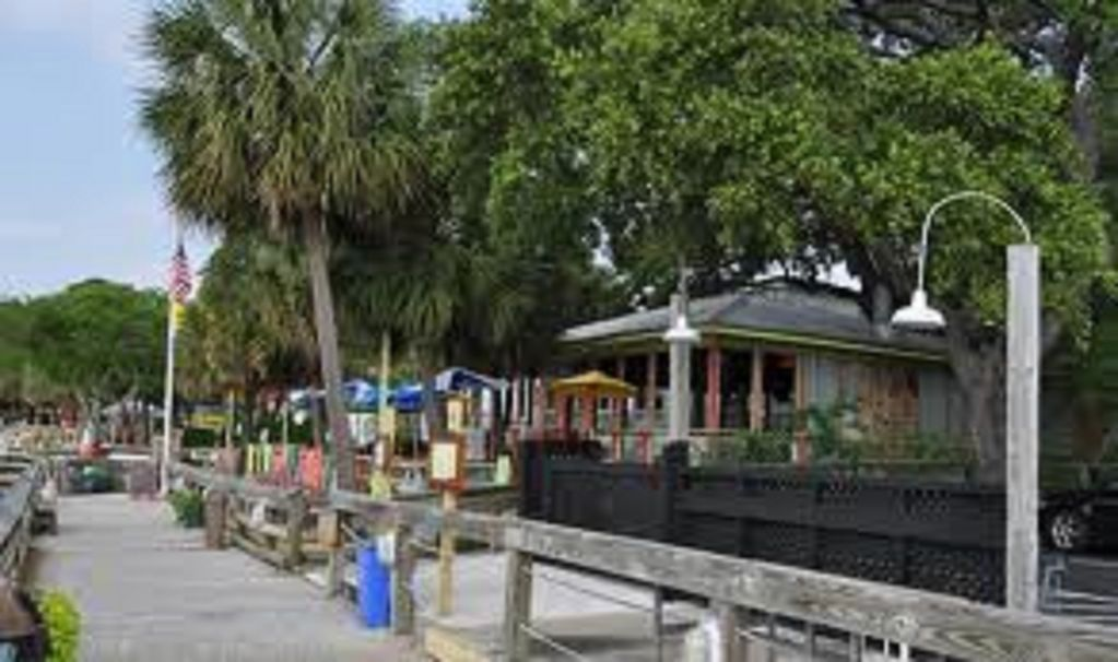 Murrells Inlet Marshwalk-Dining, live Music and stunning Vews