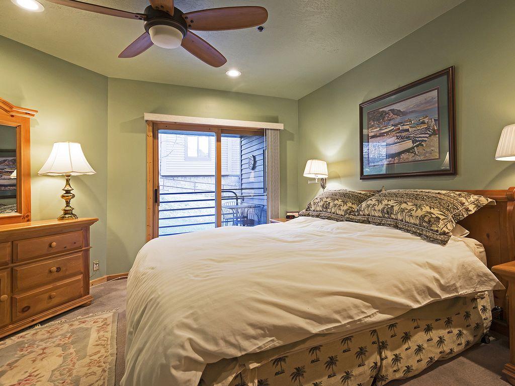 Master bedroom, ensuite bath, deck/patio