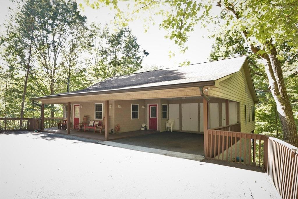 Stiles Lake House