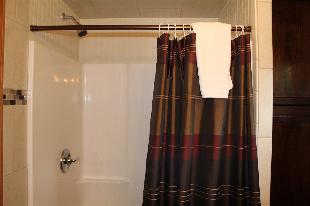 Shower in en suite bathroom #4