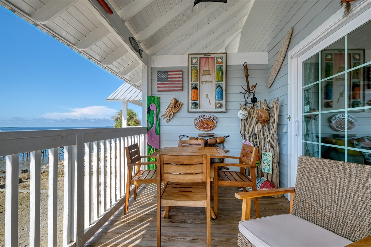 Porch with out door dining