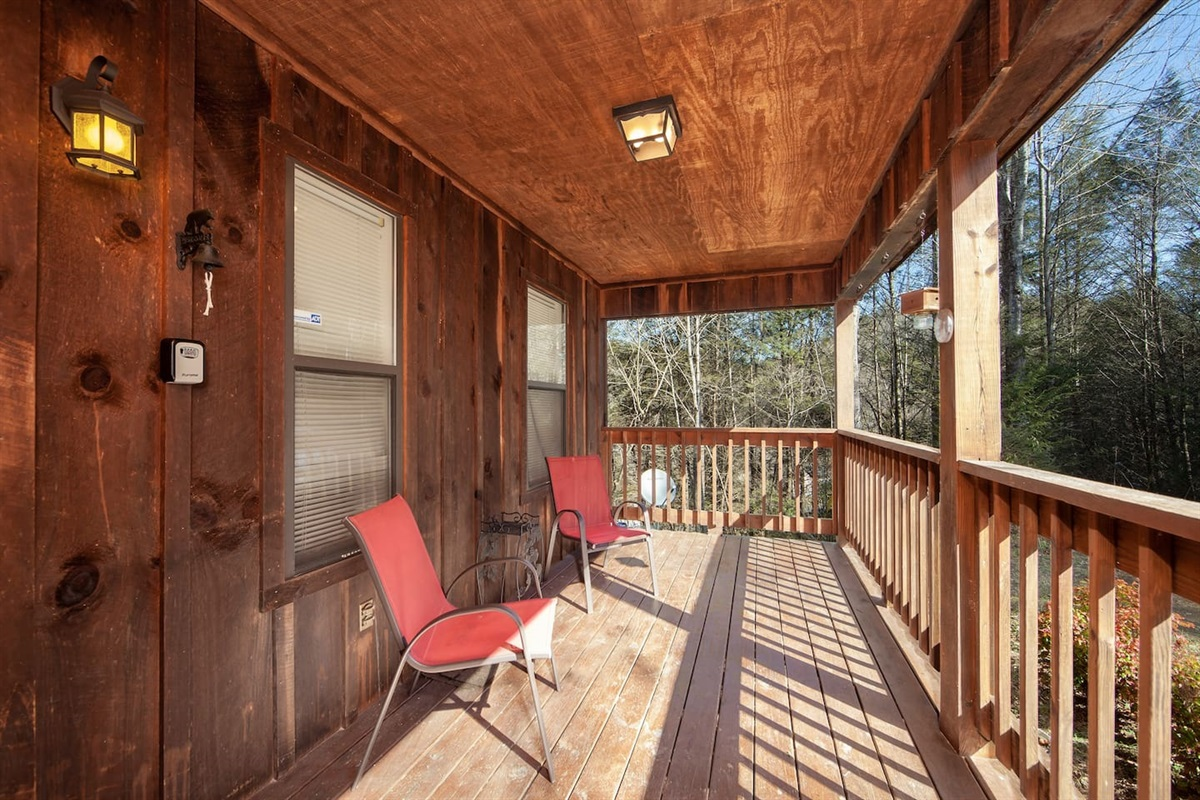 Relax on the front porch and enjoy the Smokies.