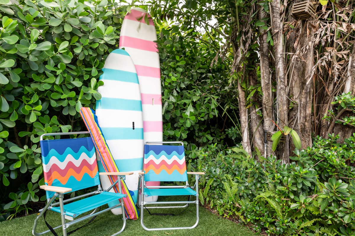 With just a short distance to the Intercoastal waterway and 5 minutes to the beach, we have everything you need to enjoy South Florida's incredible waters. Surfboards, umbrella's, beach towels & chairs! Or just take a our 2 bike cruisers for a ride.