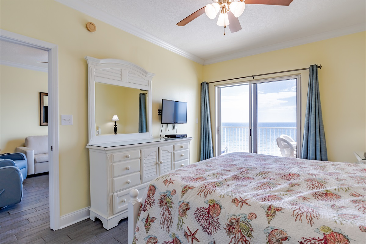 Master Bedroom With Direct Gulf View